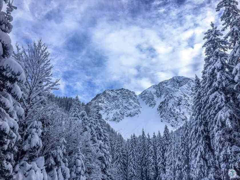 Am Weg zur Klagenfurter Hütte mit genialem Ausblick in die Winterlandschaft