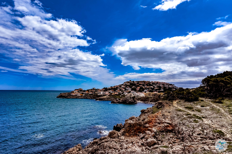 Entlang der Costa Brava - mit Blick auf das Meer und den nächsten Ort!