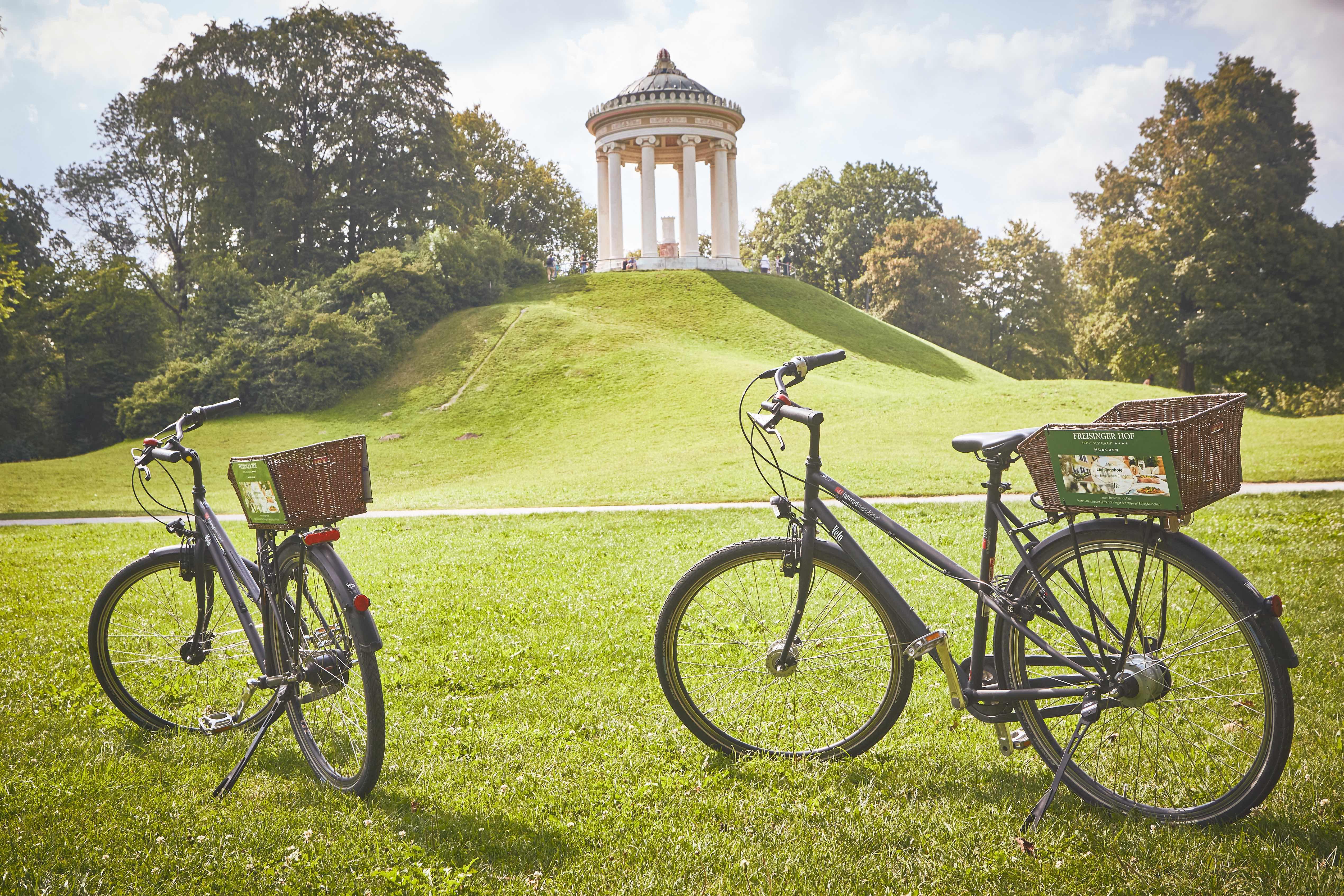 Mit den Fahrrädern vom Hotel Freisingerhof**** im Englischen Garten