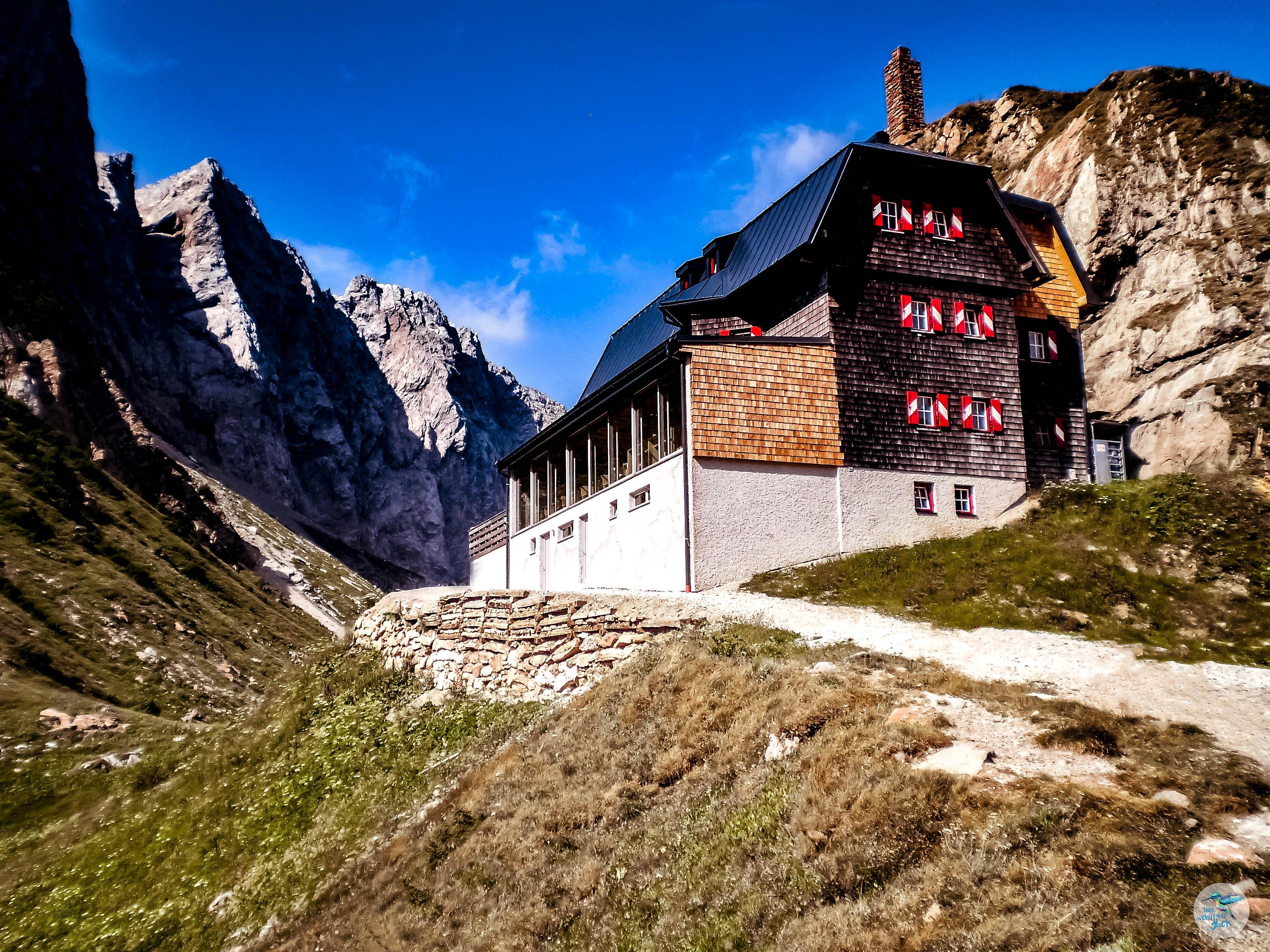 Hütte am Wolayersee