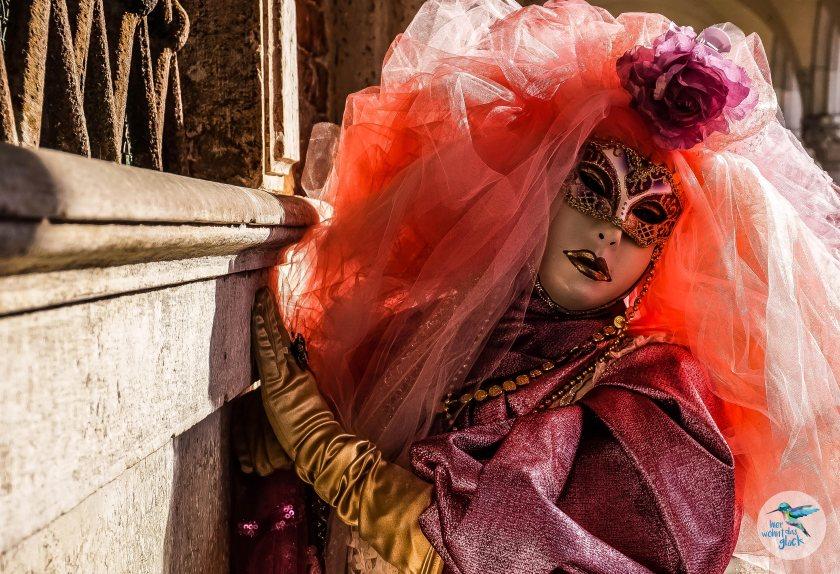 Venedig: atemberaubende Masken rund um den Markusplatz
