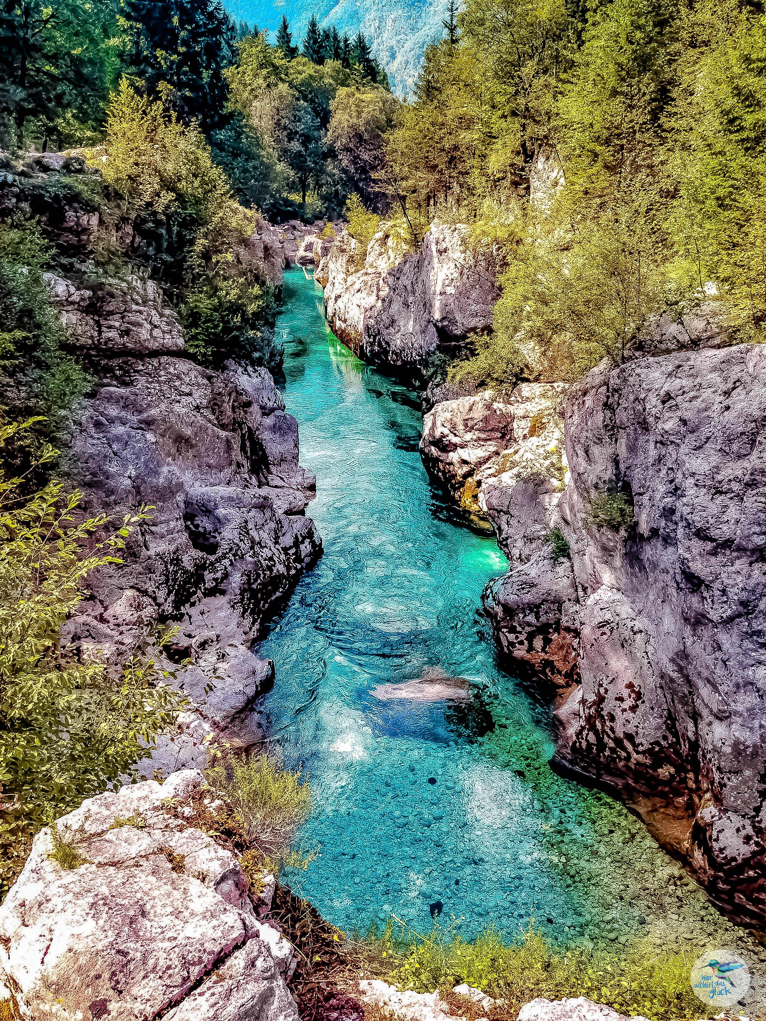 Die türkisblaue Soča am Alpe Adria Trail