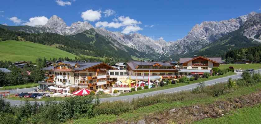 Der Urslauerhof - Berg & Spa Hotel**** inmitten der herrlichen Bergkulisse