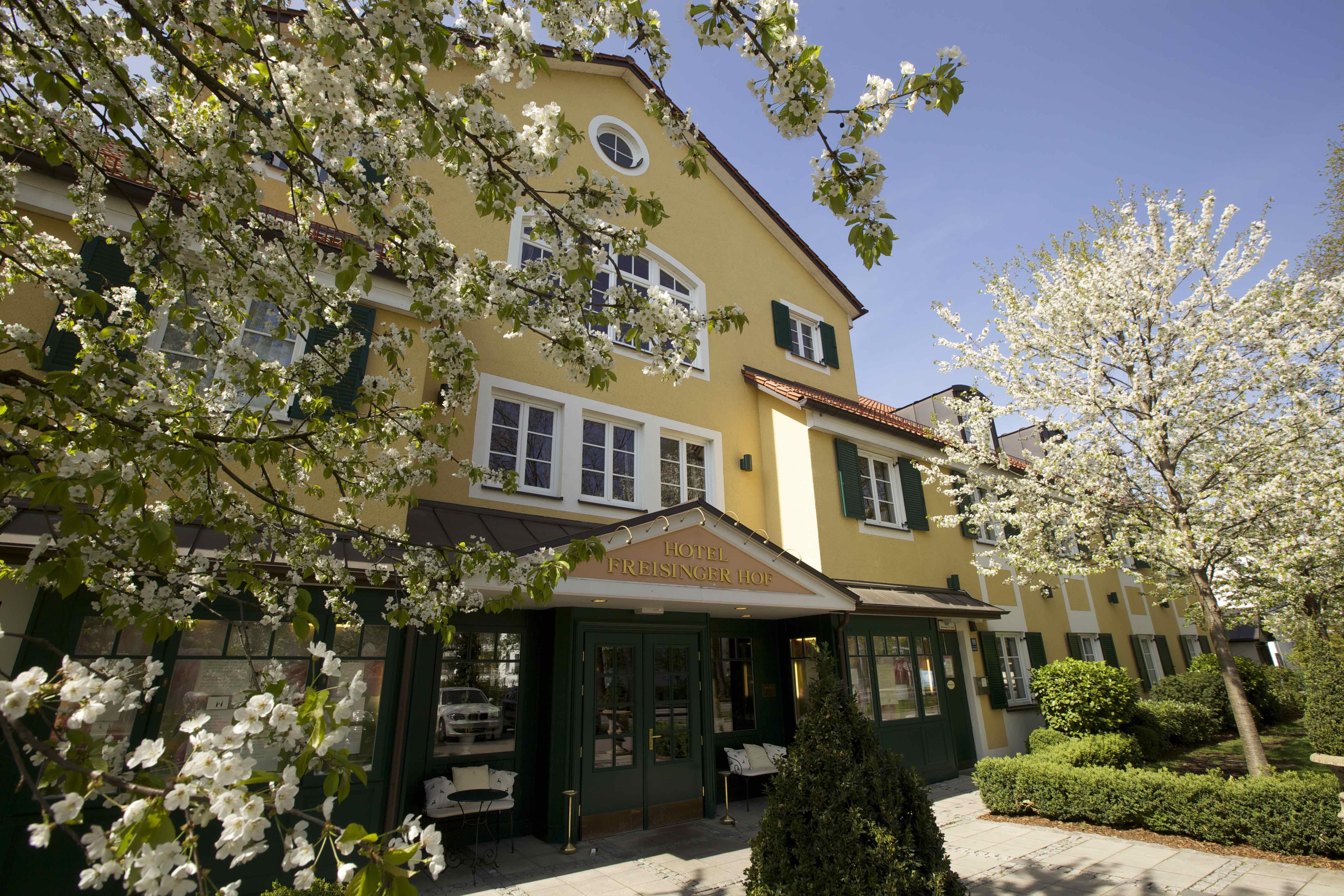 Das Hotel Freisingerhof**** liegt am Rande des Englischen Gartens und überzeugt mit einer perfekten Anbindung, sowie einer hervorragenden Küche!