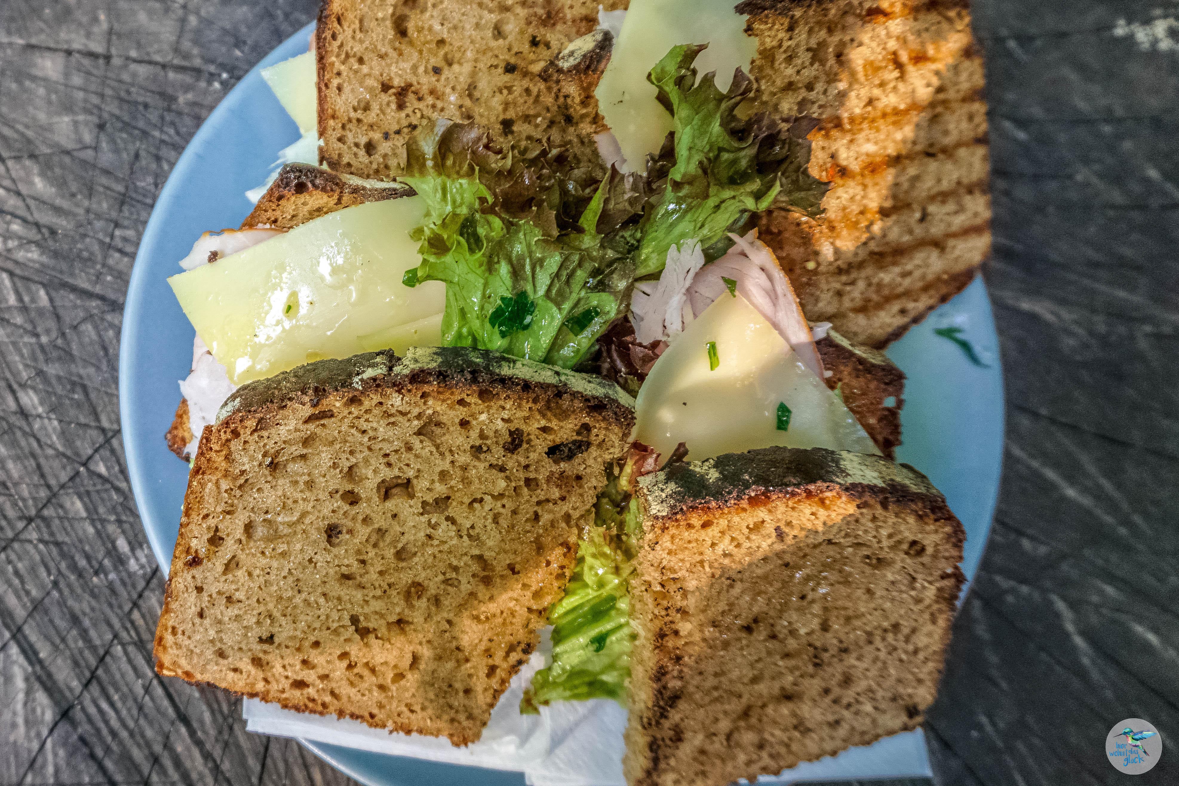 Hausgemachte Speisen mitten im Grünen